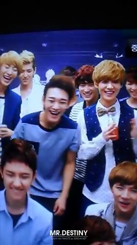 [fancam] 120810 EXO KTV (long ver.) @ S.M. ART EXHIBITION.flv_000144533